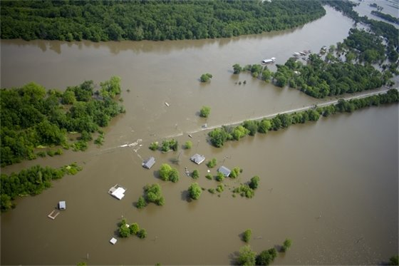 Volunteers wanted for flood cleanup.